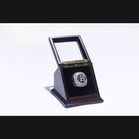 MLB 2017  HOUSTON ASTROS WORLD SERIES CHAMPIONSHIP REPLICA FAN RING WITH WOODEN DISPLAY CASE BOX