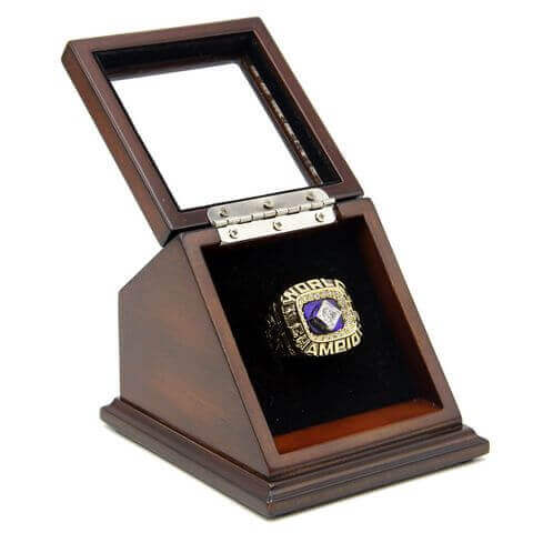 MLB 1978 New York Yankees World Series Championship Replica Fan Ring with Wooden Display Case