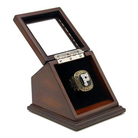 MLB 1979 Pittsburgh Pirates World Series Championship Replica Fan Ring with Wooden Display Case