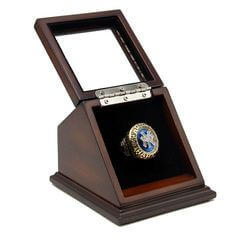 MLB 1998 New York Yankees World Series Championship Replica Fan Ring with Wooden Display Case