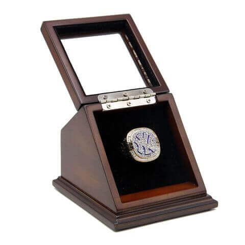 MLB 1999 New York Yankees World Series Championship Replica Fan Ring with Wooden Display Case