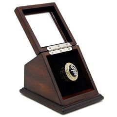 MLB 2005 Chicago White Sox World Series Championship Replica Fan Ring with Wooden Display Case