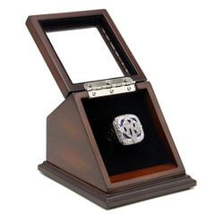 MLB 2009 New York Yankees World Series Championship Replica Fan Ring with Wooden Display Case