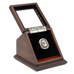 MLB 2010 San Francisco Giants World Series Championship Replica Fan Ring with Wooden Display Case
