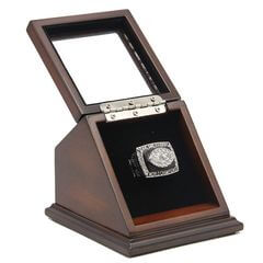 NFL 1976 Super Bowl XI Los Angeles/Oakland Raiders Championship Replica Fan Ring with Wooden Display Case