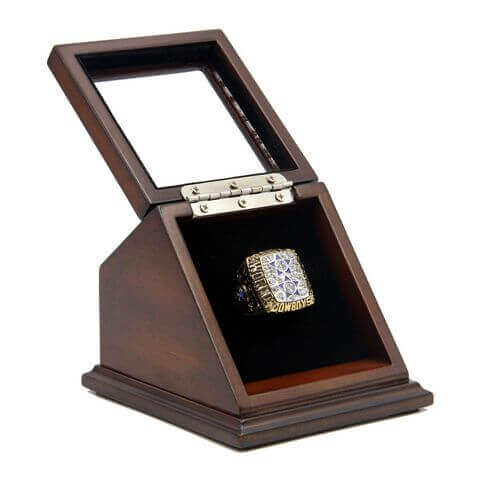 NFL 1977 Super Bowl XII Dallas Cowboys Championship Replica Fan Ring with Wooden Display Case