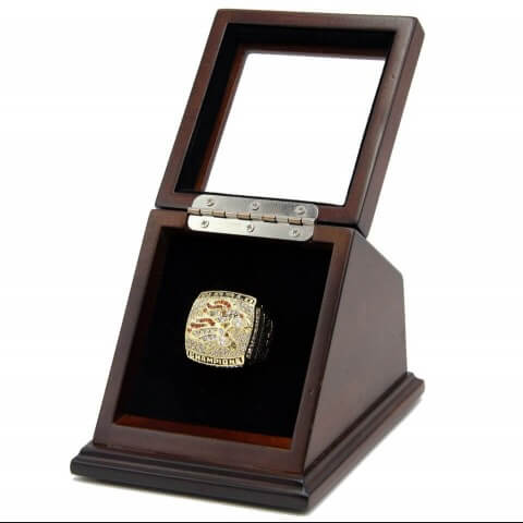 NFL 1998 Super Bowl XXXIII Denver Broncos 18K Gold-Plated Championship Replica Fan Ring with Wooden Display Case