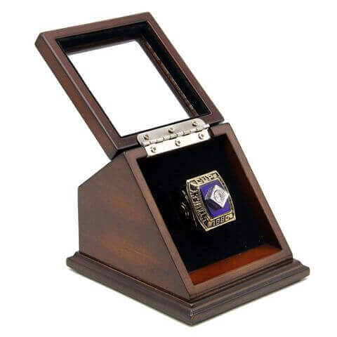 NHL 1980 New York Islanders Stanley Cup Championship Replica Fan Ring with Wooden Display Case