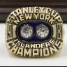NHL 1981 New York Islanders Stanley Cup Championship Replica Fan Ring with Wooden Display Case
