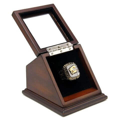 NHL 1989 Calgary Flames Stanley Cup Championship Replica Fan Ring with Wooden Display Case