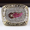 NHL 1998 Detroit Red Wings Stanley Cup Championship Replica Fan Ring with Wooden Display Case