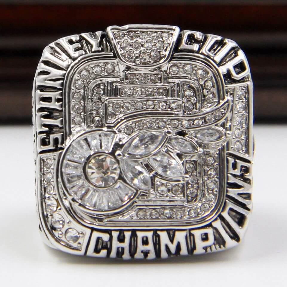 best website 04664 a4cbe NHL 2008 Detroit Red Wings Stanley Cup Championship Replica Ring