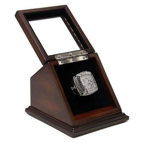 NHL 2010 Chicago Blackhawks Stanley Cup Championship Replica Fan Ring with Wooden Display Case
