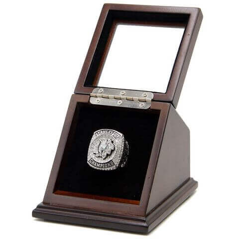 NHL 2015 Chicago Blackhawks Stanley Cup Championship Replica Fan Ring with Wooden Display Case