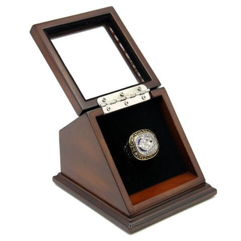 NFL 1985 Super Bowl XX Chicago Bears Championship Replica Fan Ring with Wooden Display Case