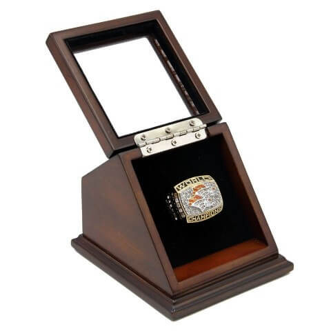 NFL 1998 Super Bowl XXXIII Denver Broncos Championship Replica Fan Ring with Wooden Display Case
